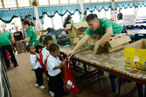 gallery linaco provide aid to 130 temiar 06